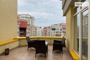 Продается 4-комнатная квартира 158 кв. м в Киеве