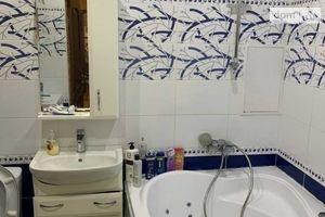 Продається 2-кімнатна квартира 55 кв. м у Полтаві