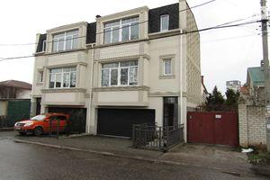 Продається будинок 2 поверховий 130 кв. м з верандою