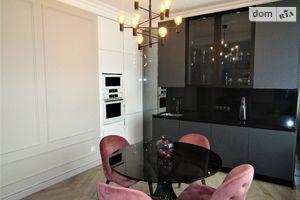 Продается 3-комнатная квартира 113 кв. м в Киеве