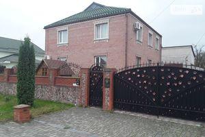 Продается дом на 2 этажа 207 кв. м с мансардой