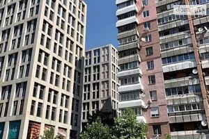 Продается 4-комнатная квартира 106 кв. м в Днепре