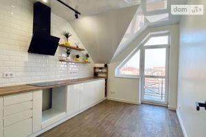 Продается 1-комнатная квартира 43 кв. м в Ужгороде