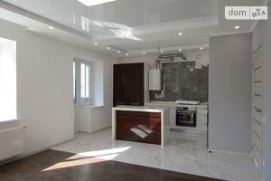 Продается 4-комнатная квартира 132.9 кв. м в Черкассах