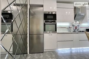 Продается 2-комнатная квартира 48 кв. м в Ирпене