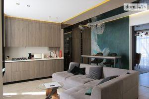 Продается 3-комнатная квартира 80.4 кв. м в Ужгороде