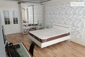 Продается 2-комнатная квартира 77 кв. м в Одессе