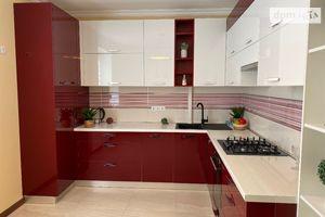 Продается 3-комнатная квартира 108 кв. м в Ивано-Франковске