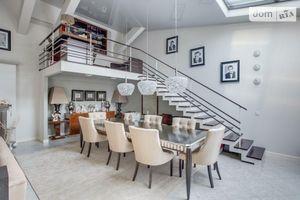 Продается 4-комнатная квартира 215 кв. м в Киеве