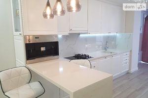 Продается 3-комнатная квартира 92 кв. м в Тернополе