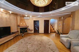 Продается дом на 2 этажа 355 кв. м с участком