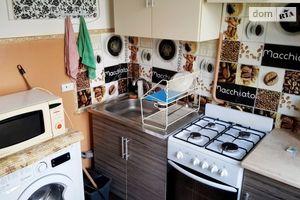 Сдается в аренду 2-комнатная квартира 43 кв. м в Черновцах