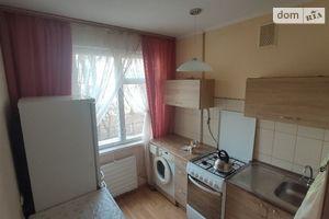 Продается 1-комнатная квартира 32.7 кв. м в Чернигове