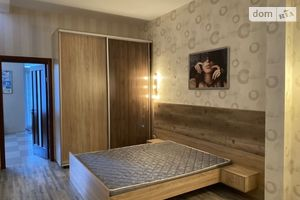 Здається в оренду 2-кімнатна квартира 71 кв. м у Полтаві