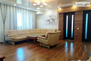 Продається 3-кімнатна квартира 72 кв. м у Черкасах