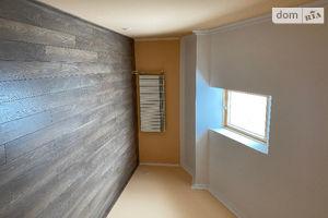 Продается 4-комнатная квартира 117 кв. м в Ужгороде
