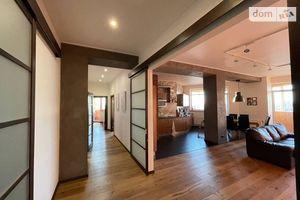 Продается 3-комнатная квартира 116.4 кв. м в Харькове