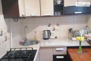 Сдается в аренду 3-комнатная квартира 112 кв. м в Черновцах