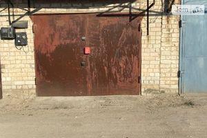 Продається бокс в гаражному комплексі під легкове авто на 10 кв. м