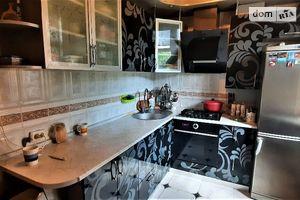 Продается 3-комнатная квартира 66 кв. м в Полтаве