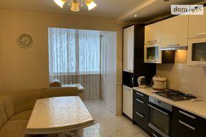 Продается 3-комнатная квартира 83.8 кв. м в Тернополе