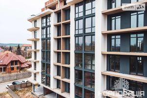 Продается 2-комнатная квартира 76.6 кв. м в Ужгороде