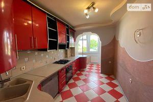 Продается 3-комнатная квартира 82 кв. м в Тернополе