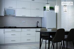 Продается 2-комнатная квартира 65 кв. м в Северодонецке