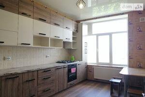 Продается 3-комнатная квартира 68.7 кв. м в Тернополе