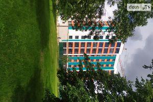 Продається 2-кімнатна квартира 67.8 кв. м у Чернігові