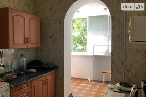 Куплю трехкомнатную квартиру на Малиновском без посредников
