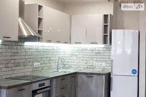 Зніму двокімнатну квартиру в Києві довгостроково